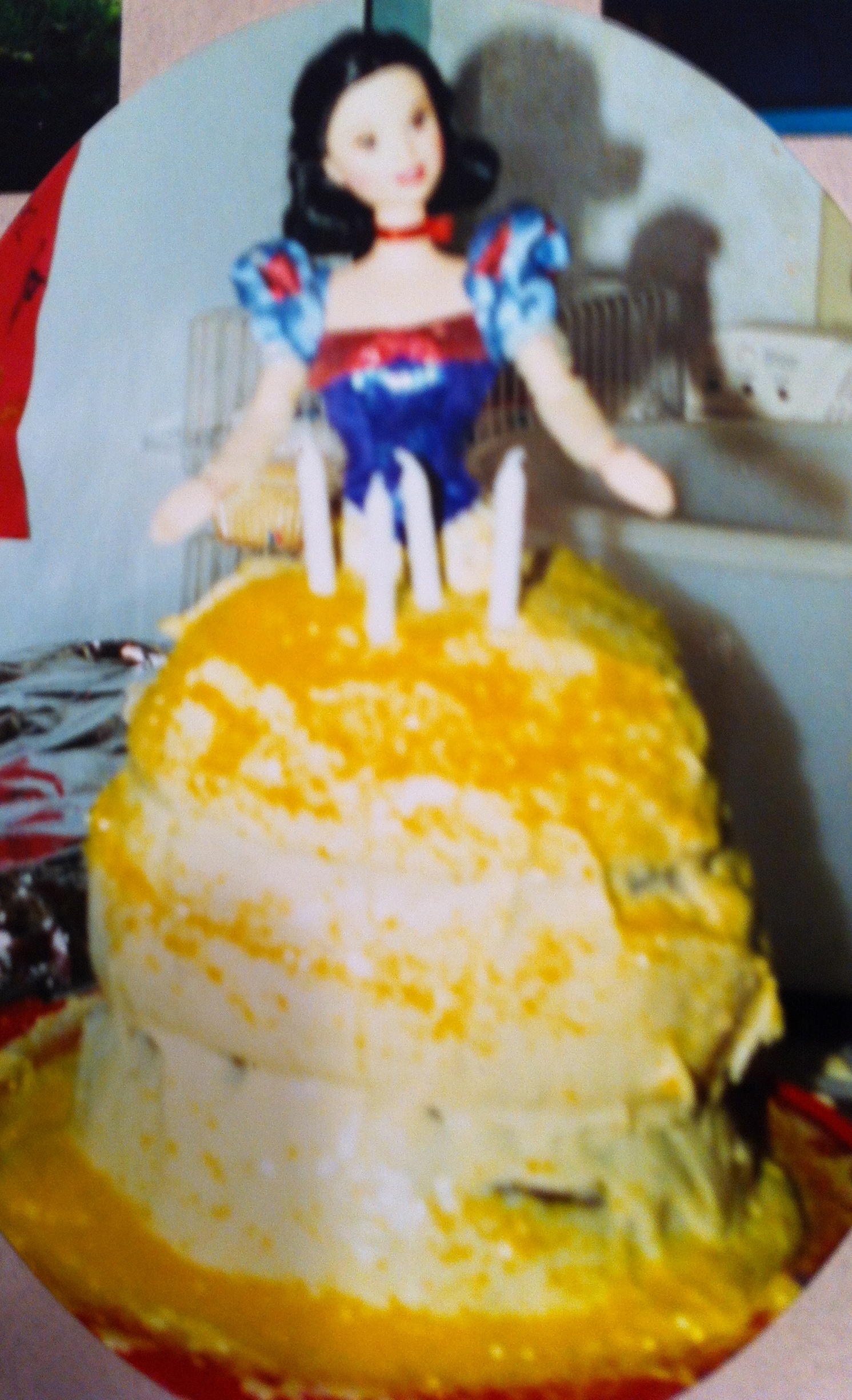 Birthday cake shaped like snow white
